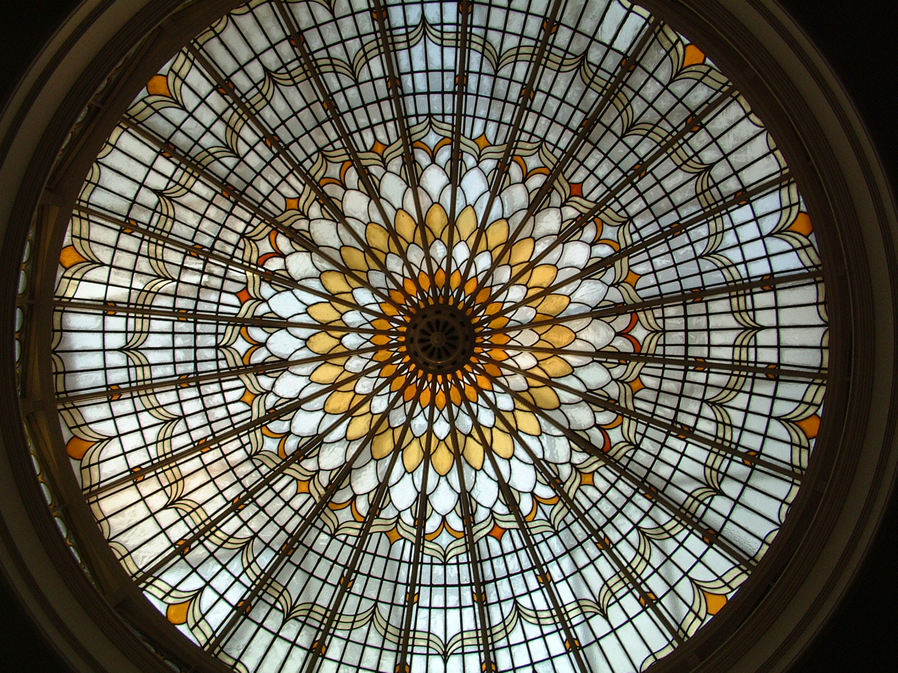 Bishopsgate Library's famous dome skylight, a distinctive feature of the main library reading room. Credit: Bishopsgate Institute.